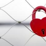 恋愛依存症を克服するには?治し方や心理、原因を紹介!