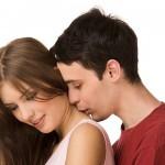 男友達にキスされた!その心理と対応方法を知っておこう!