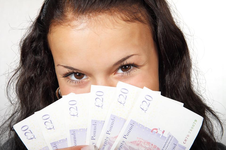 お金と女の子