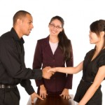 斡旋とは?意味や使い方、仲介との違いを紹介!例文を知って正しく使おう!