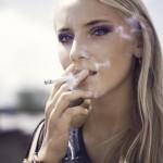 煙草吸う女性は嫌われる?初めたきっかけや男性の本音を知ろう!デメリットはなに?