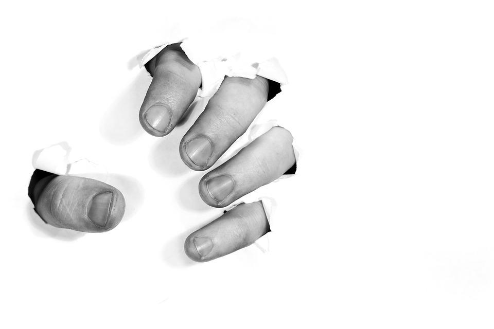 fingers-1153119_960_720