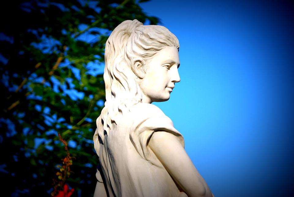 goddess-185454_960_720