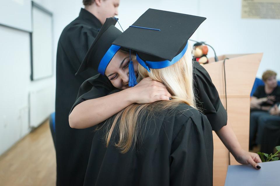 graduation-2038864_960_720