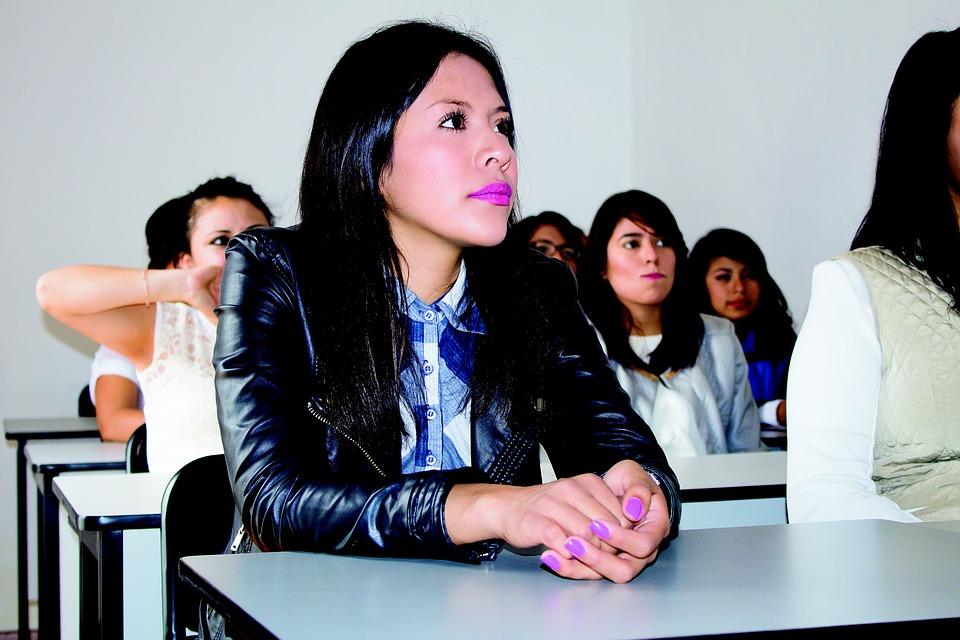 student-2104585_960_720