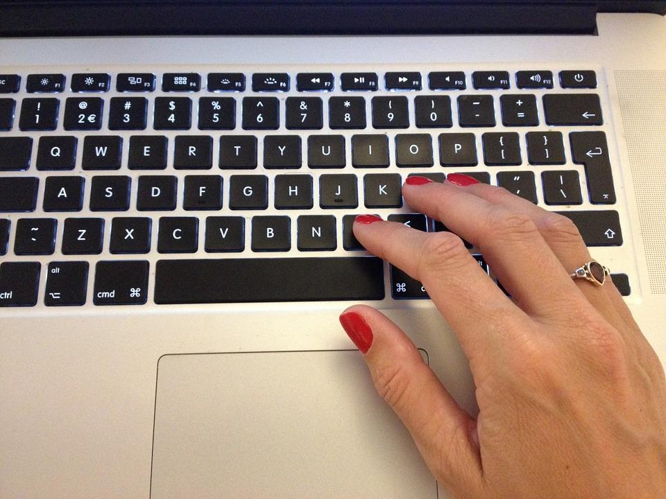 typing-296047_960_720